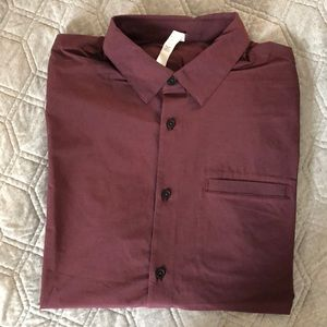NWT Lululemon Off The Chain Buttondown